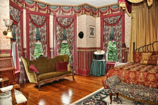 The Gold Room - COURTESY OF GENE ROYER