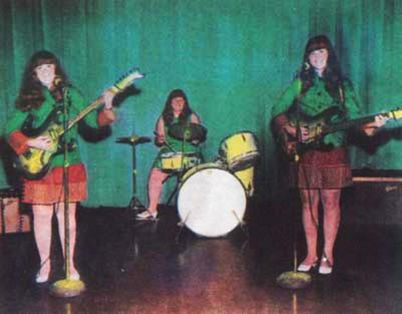 The Shaggs - ANCIENT PRESS PHOTO FROM OLD-TIMEY TIMES.
