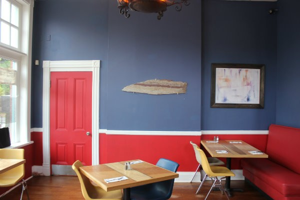 The dining room faces Jefferson Avenue. - CHERYL BAEHR
