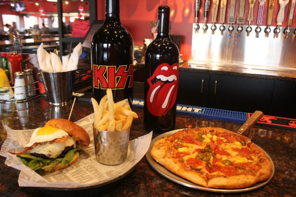 Rock & Brews serves American fare like pizzas, burgers, salads and wings. - CHERYL BAEHR