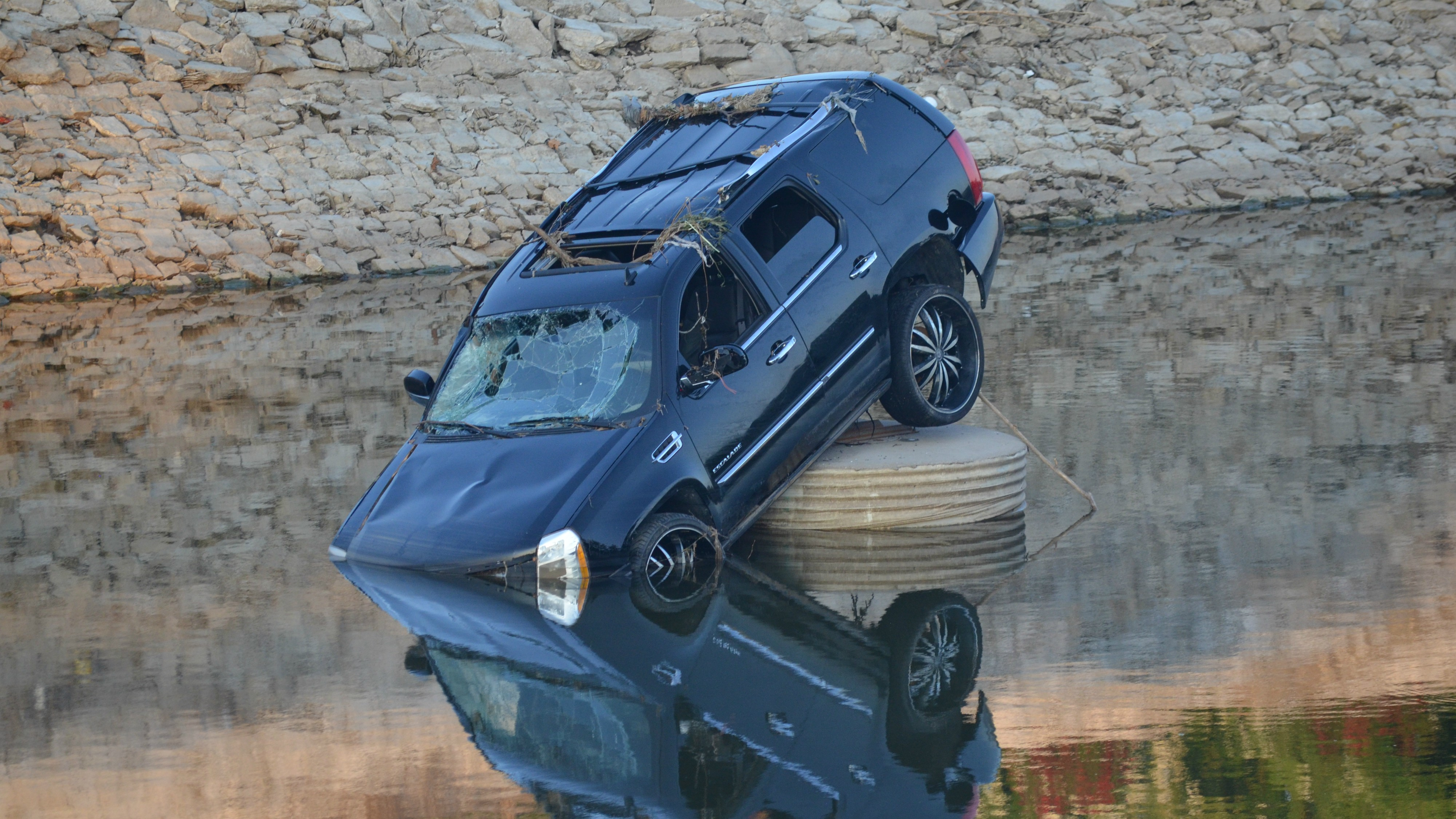How Many Cars Are in the River Des Peres?