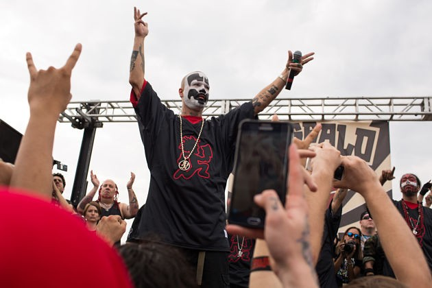 Shaggy 2 Dope speaks to his assembled fans. - PHOTO BY DANIEL SHULAR