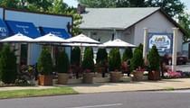 Ari's Restaurant and Bar