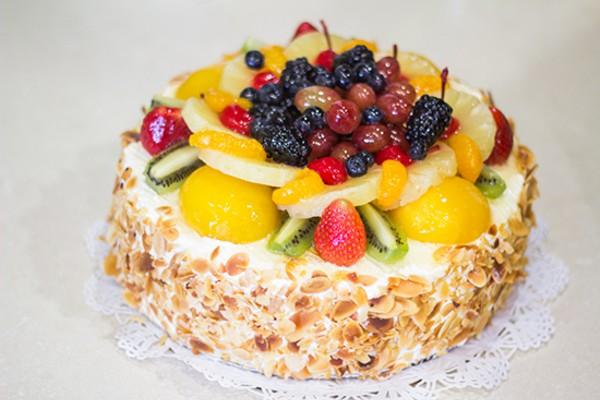 La Bonne Bouche Cake