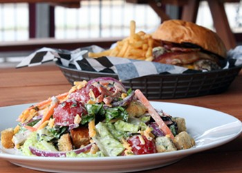 Snax Gastrobar Brings a New Neighborhood Restaurant to Lindenwood Park