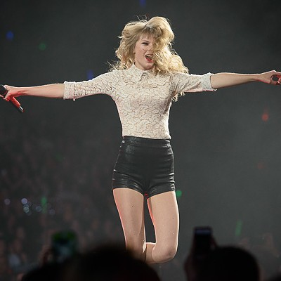 Taylor Swift Returns to St. Louis