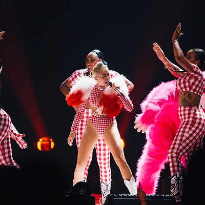 Miley Cyrus Brings the 'Bangerz' Tour to Scottrade Center