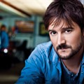 Eric Church finds broad appeal by not looking