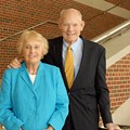 St. Louis Philanthropist Des Lee Dies at 92