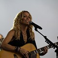 Sheryl Crow's Eco-Conscious Tour Rider Turning Heads
