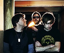 A Place to Bury Strangers: Bring the noise.