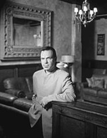 "Kurt Elling sings solos -- that ""s""  is intentional, - because he actually ""sings""  the solo break in jazz - standards."