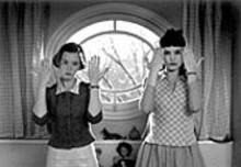 Ludivine Sagnier and Virginie Ledoyen in 8 Women