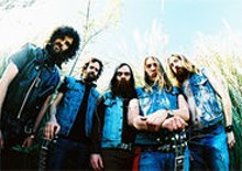 Valient Thorr: Puny humans! We have come to rock your face!