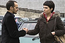 Lorna (Arta Dobroshi) strikes a deal with Fabio (Fabrizio Rongione) which she will soon regret.