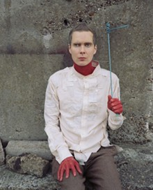 JONSI: SOLO, BUT NOT ALONE.
