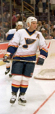 BILL GREENBLATT/UPI PHOTO SERVICE/NEWSCOM - In 1997 Hull entered his last year as a player for the Blues.