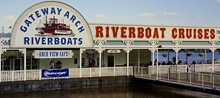 TRACY HUNTER/FLICKR - Gateway Arch Riverboats