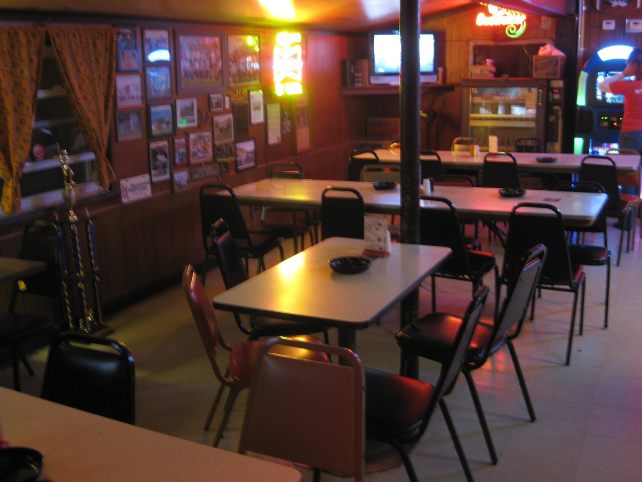 doc haus st louis south city bar food bars and clubs restaurants. Black Bedroom Furniture Sets. Home Design Ideas