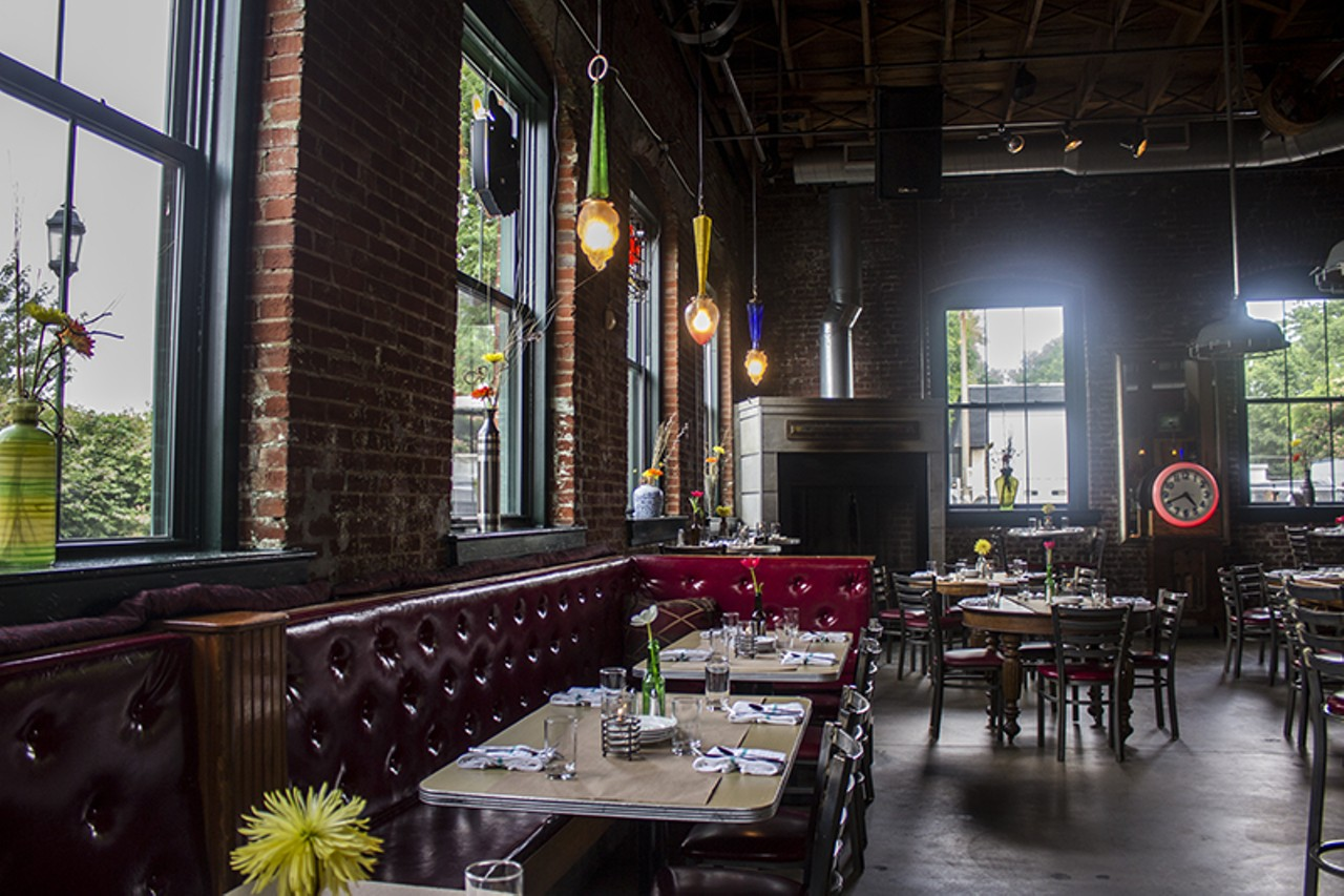 Sqwires St Louis Lafayette Square American Contemporary New Restaurant Reservation Ceiling Rose Wiring 99778940