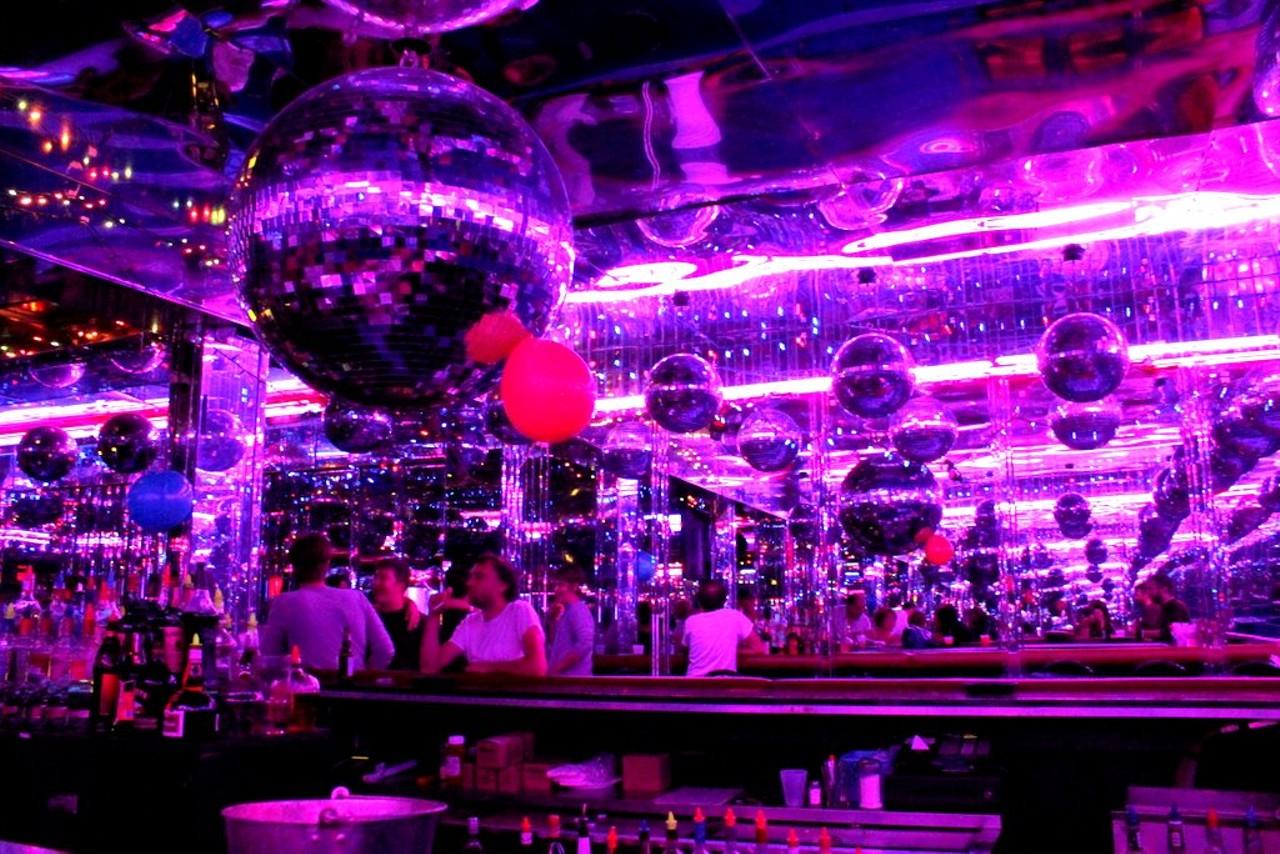 St Louis Strip Clubs Larry Flynts Hustler Club