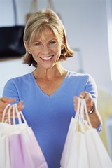 13480066_shopping_woman.jpg