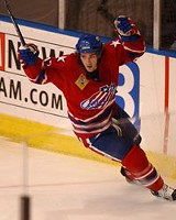 20 TOE PHOTO - Everything they can do: Amerk Michael Ryan.