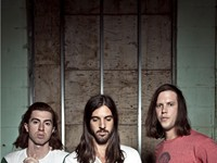 ROCK | The Whigs