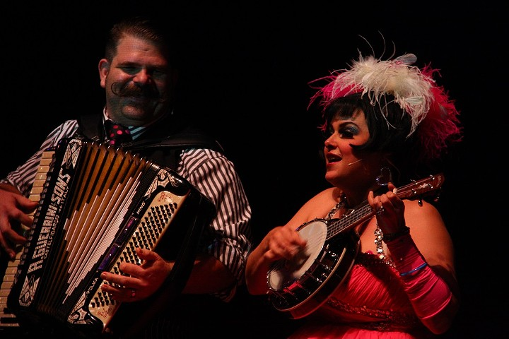 Cleveland vaudeville duo Pinch and Squeal. - PHOTO BY FRANK DE BLASE