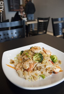 Pick your protein and choose your heat level at Khong Thai. - PHOTO BY RENÉE HEININGER
