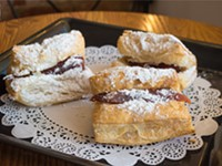 Sweet treats and keto cakes at Tu Amor