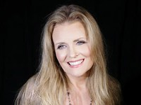 Featured Artist: Tierney Sutton