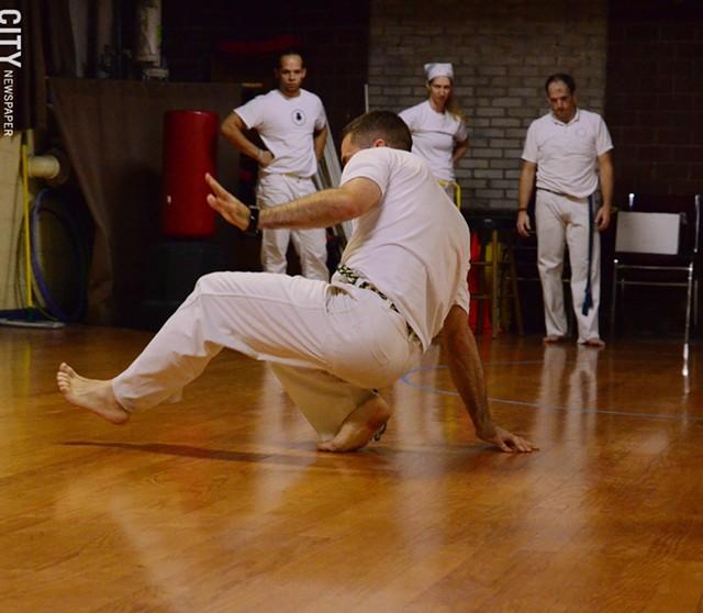 Capoeira at Com Expressao