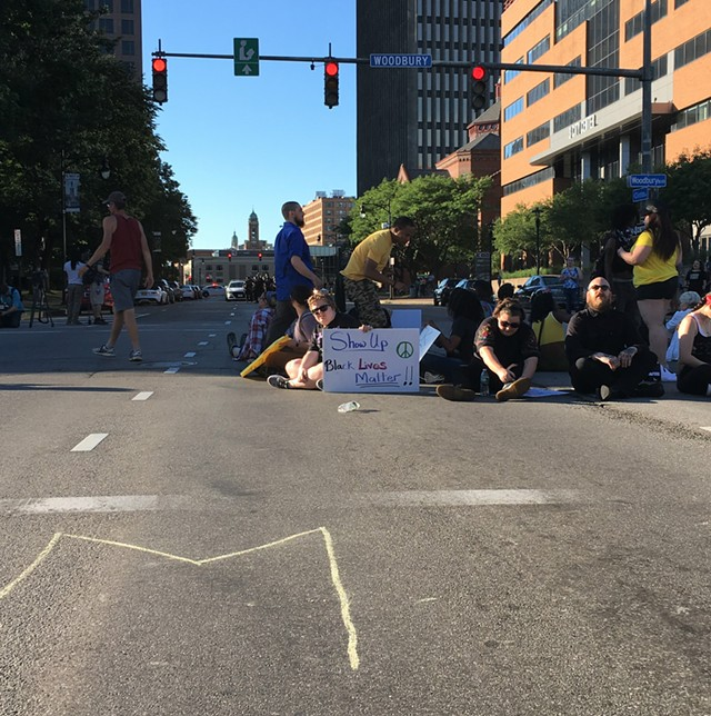 Black Lives Matter Group Shuts Down Intersection Rpd