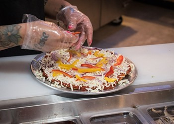 Fast-casual pizza on Monroe Ave