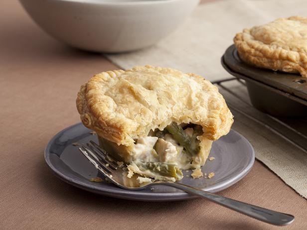 thanksgiving-2011_dx0104-second-day-turkey-pot-pie_s4x3_lgjpg