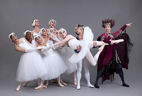 ballets-trockadero_swan-lake-i.jpg