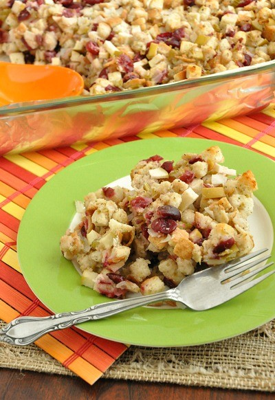 apple_cranberry_stuffing_400jpg