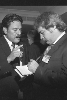 Willie Velásquez (left)