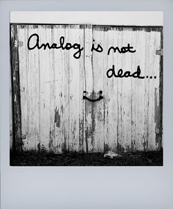 analog-is-not-dead_title_imagejpg