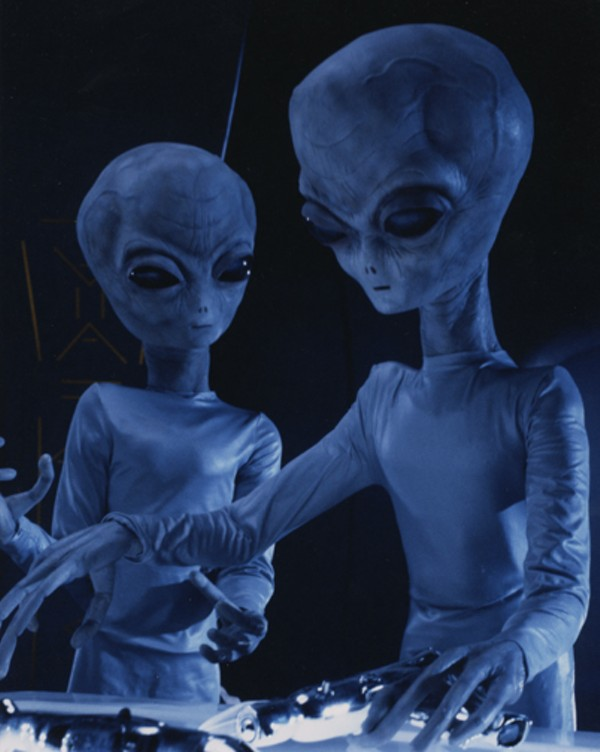 intruders_aliens_jpg