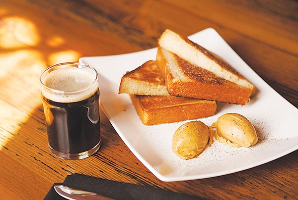 Brown Ale with Texas toast and barbecue butter - ANA AGUIRRE