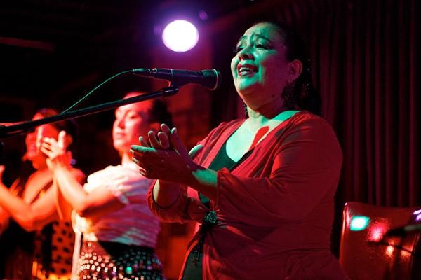 Chayito Champion y Los Flamencos de San Antonio at Luna Fine Music Club. - STEVEN GILMORE