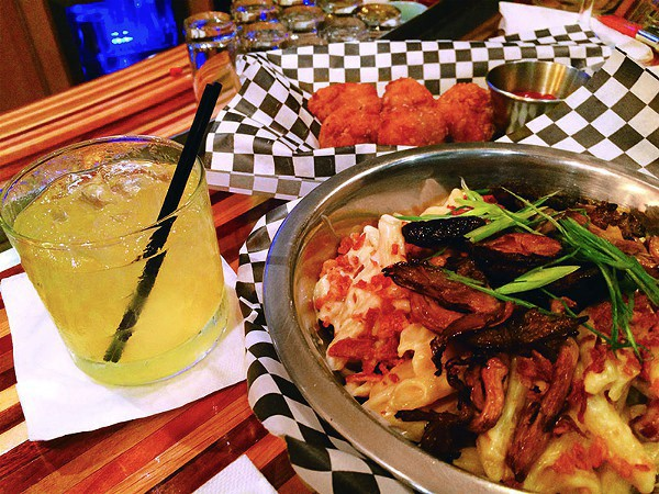 Comfort food and cocktails at Beat Street - JESSICA ELIZARRARAS
