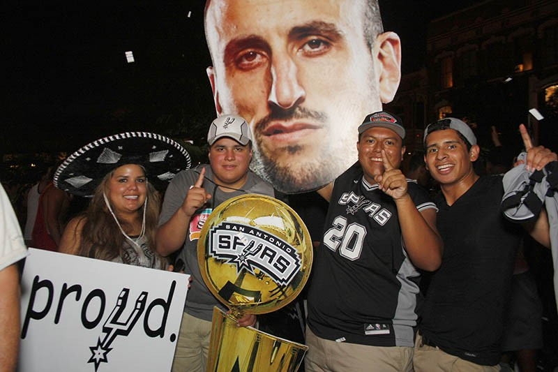 Fans took to the streets downtown to celebrate the San Antonio Spurs' fifth NBA Championship - MAYRA ALEXANDRA
