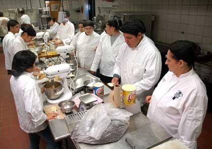 food-hscookingschool1_420jpg