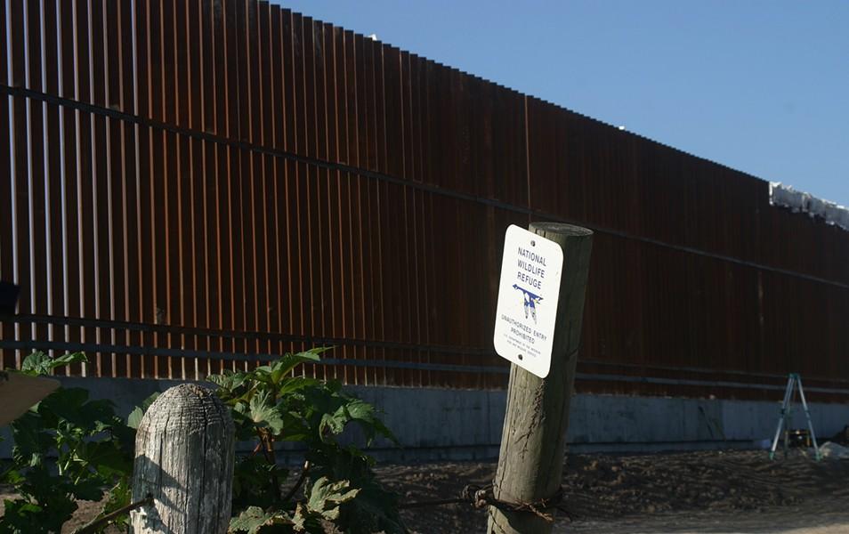 lrgv-nat-wildlife-refuge-usfw-refuge-tract-and-levee-border-wall-photo-scott-nicoljpg