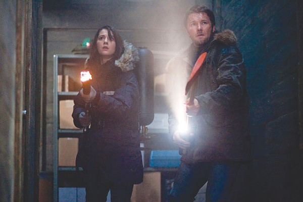 Mary Elizabeth Winstead and Joel Edgerton looking for the damn thing.