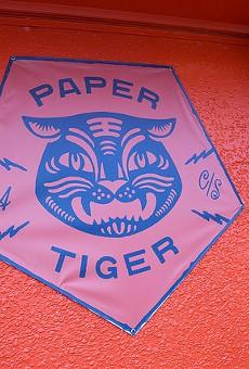 Paper Tiger, Con Safos