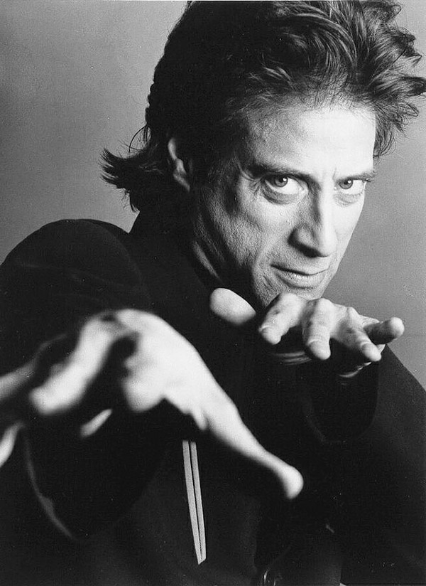 Richard Lewis returns to LOL Comedy Club Thursday.